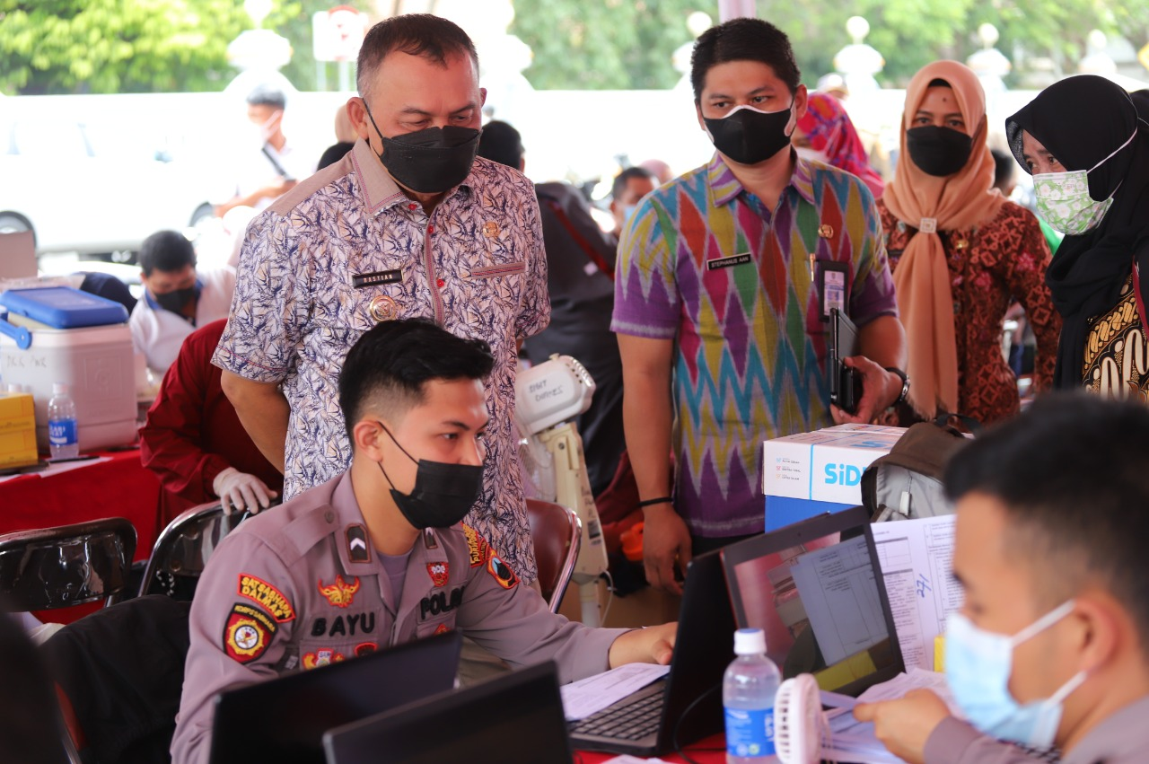Bupati Purworejo Tinjau Sentra Vaksinasi Di Depan Pendopo
